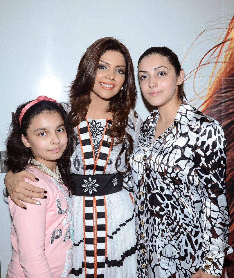 Launch-of-Hadiqa-Kiani-Fabric-World-1