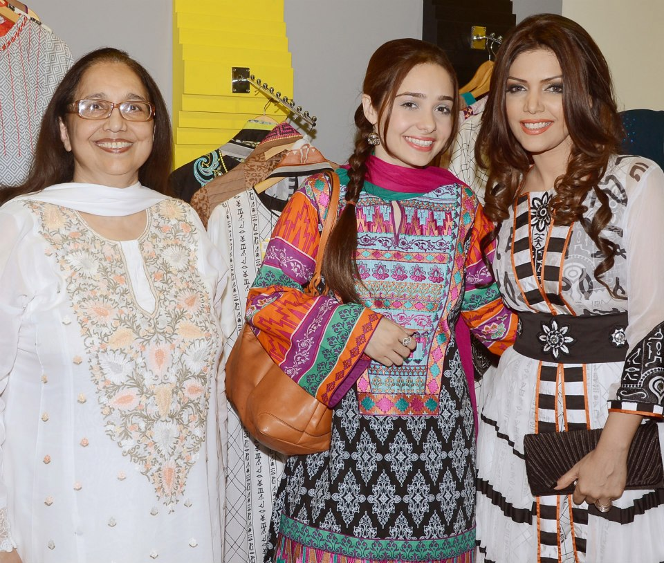 Launch-of-Hadiqa-Kiani-Fabric-World-20